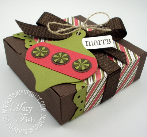 Stampin up holiday bitty gift box punch big shot stocking accents die
