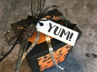 Create a simple treat box using Stampin Up Takeout Treats & Takeout Thinlits Dies - Mary Fish StampinUp Ideas